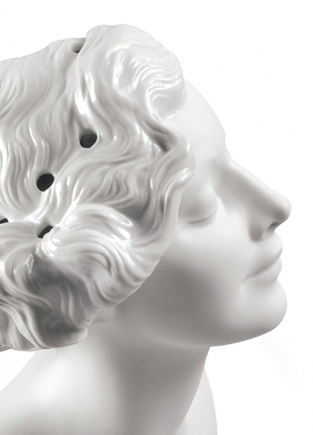 Порцеланова фигура – Daisy Woman – Bust Vase
