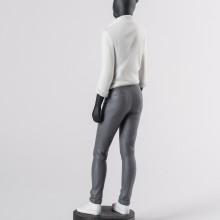 Порцеланова фигура – Panther Woman Figurine