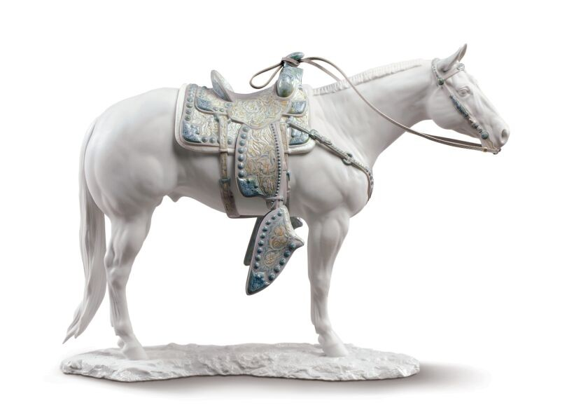 Порцеланова фигура – White Quarter Horse Sculpture